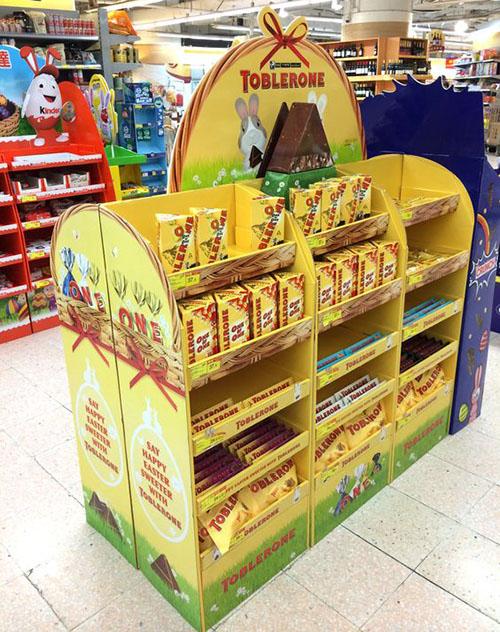 復活節百佳商場巧克力紙展示架